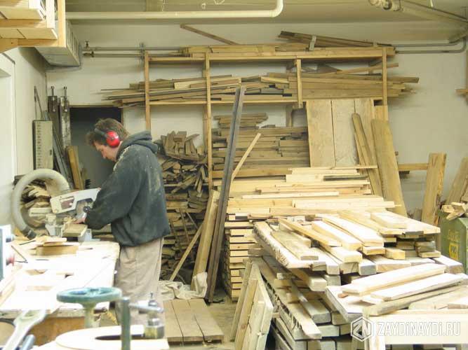 Нужен плотник для изготовления мебели на балконе в симферополе.